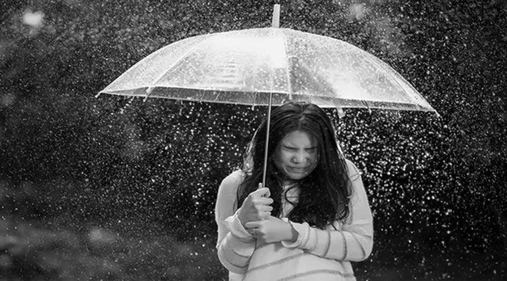 waspada infeksi mata saat hujan